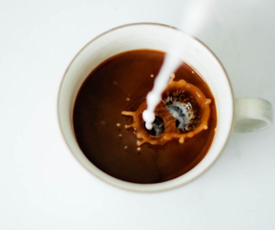 Kolory/Kawa z mlekiem